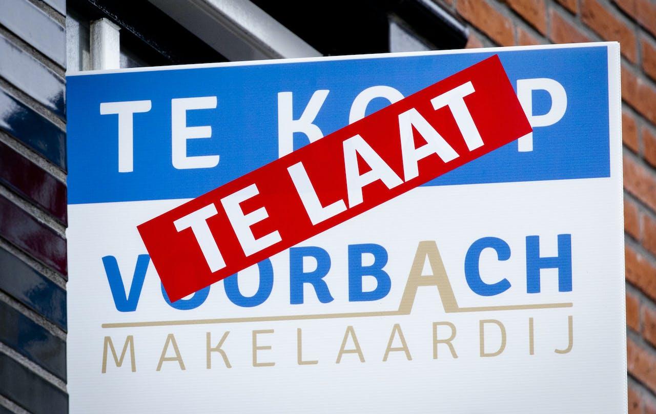 Verkochte huizen in de Amersfoortse wijk Vathorst. De krapte op de Nederlandse woningmarkt is in het vierde kwartaal van vorig jaar verder toegenomen.