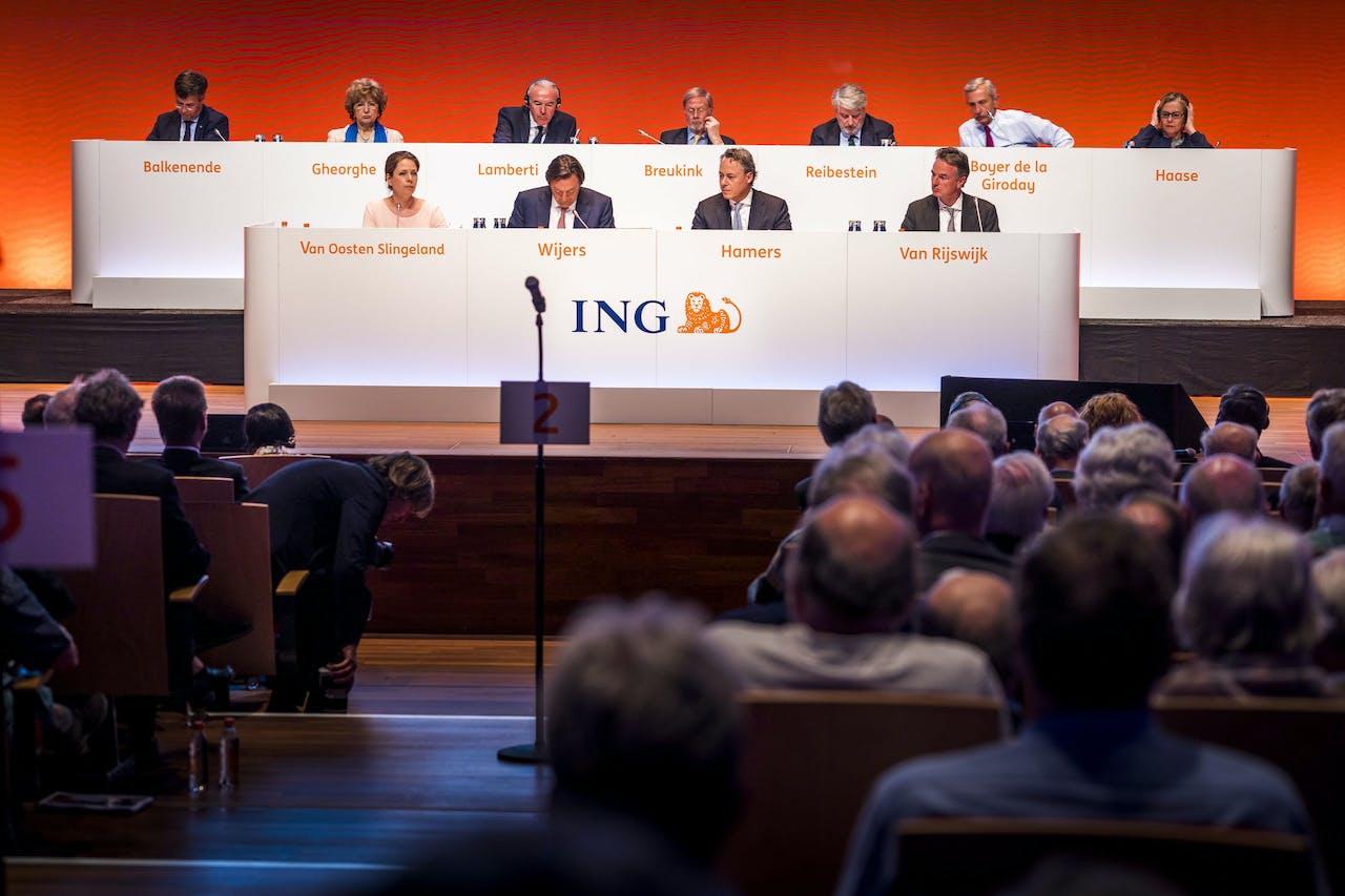 AMSTERDAM - De jaarlijkse aandeelhoudersvergadering van ING Groep N.V. in Muziekgebouw aan t IJ. ANP LEX VAN LIESHOUT