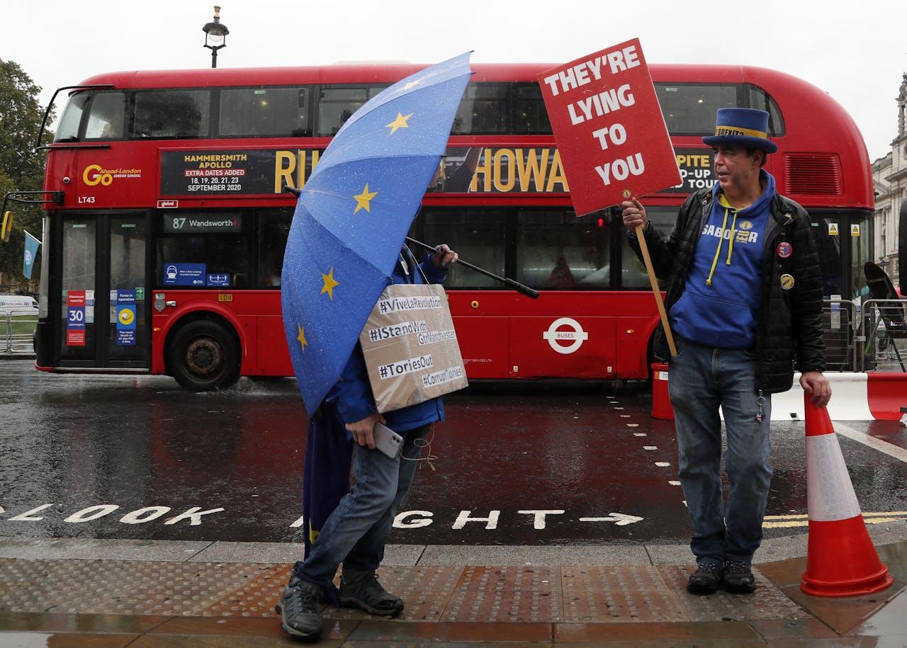 Voor- en tegenstanders van Brexit ontmoeten elkaar nog steeds in het hartje van Londen.