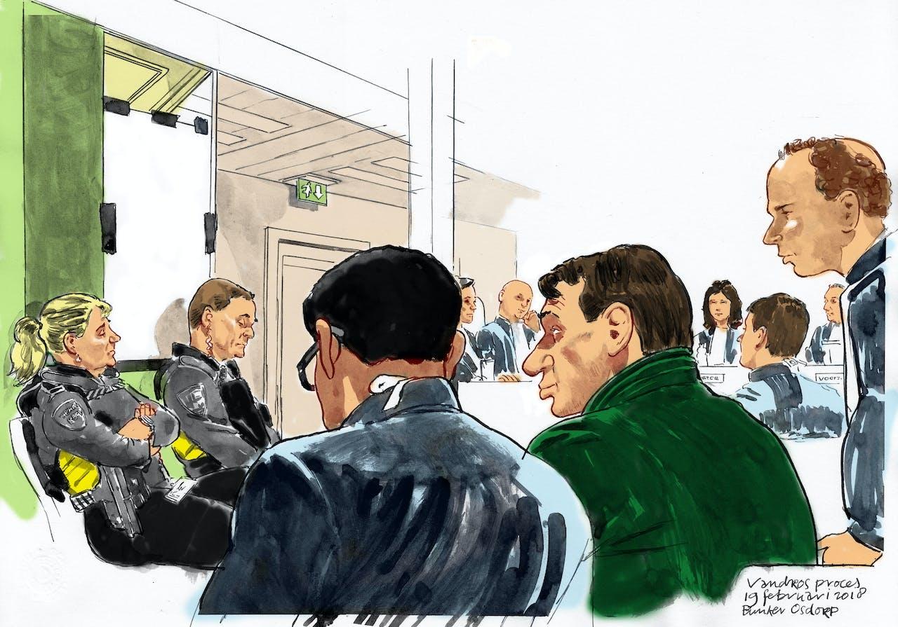 Een rechtbanktekening met Sonja Holleeder in een afgesloten ruimte (L) tijdens haar getuigenverklaring bij de rechtbank in Amsterdam Osdorp in de zaak tegen haar broer Willem Holleeder.