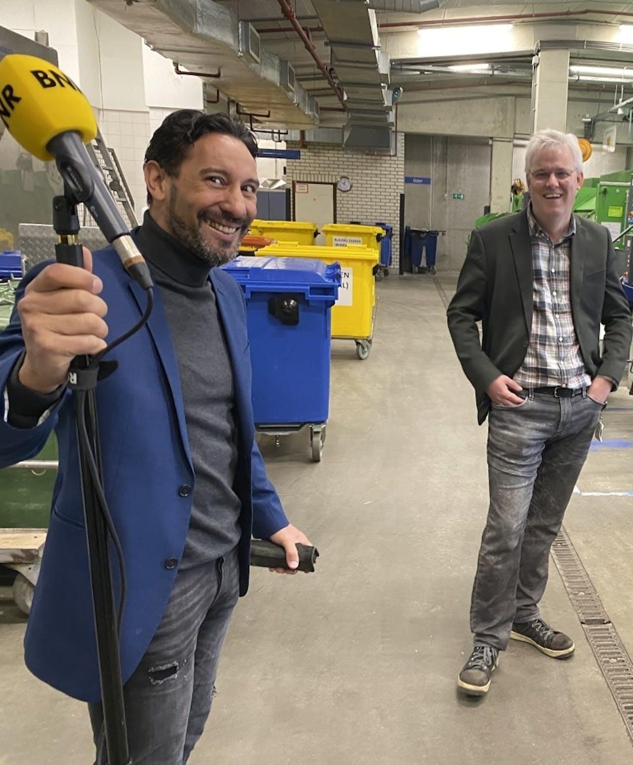 Fernando Morales van SimpleComply en Edwin van Stralen, teamleider interne logistiek en afvalmanagement van UMC Utrecht