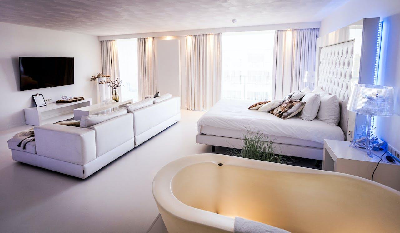 Een hotelkamer in het Van der Valk-hotel Sassenheim-Leiden.