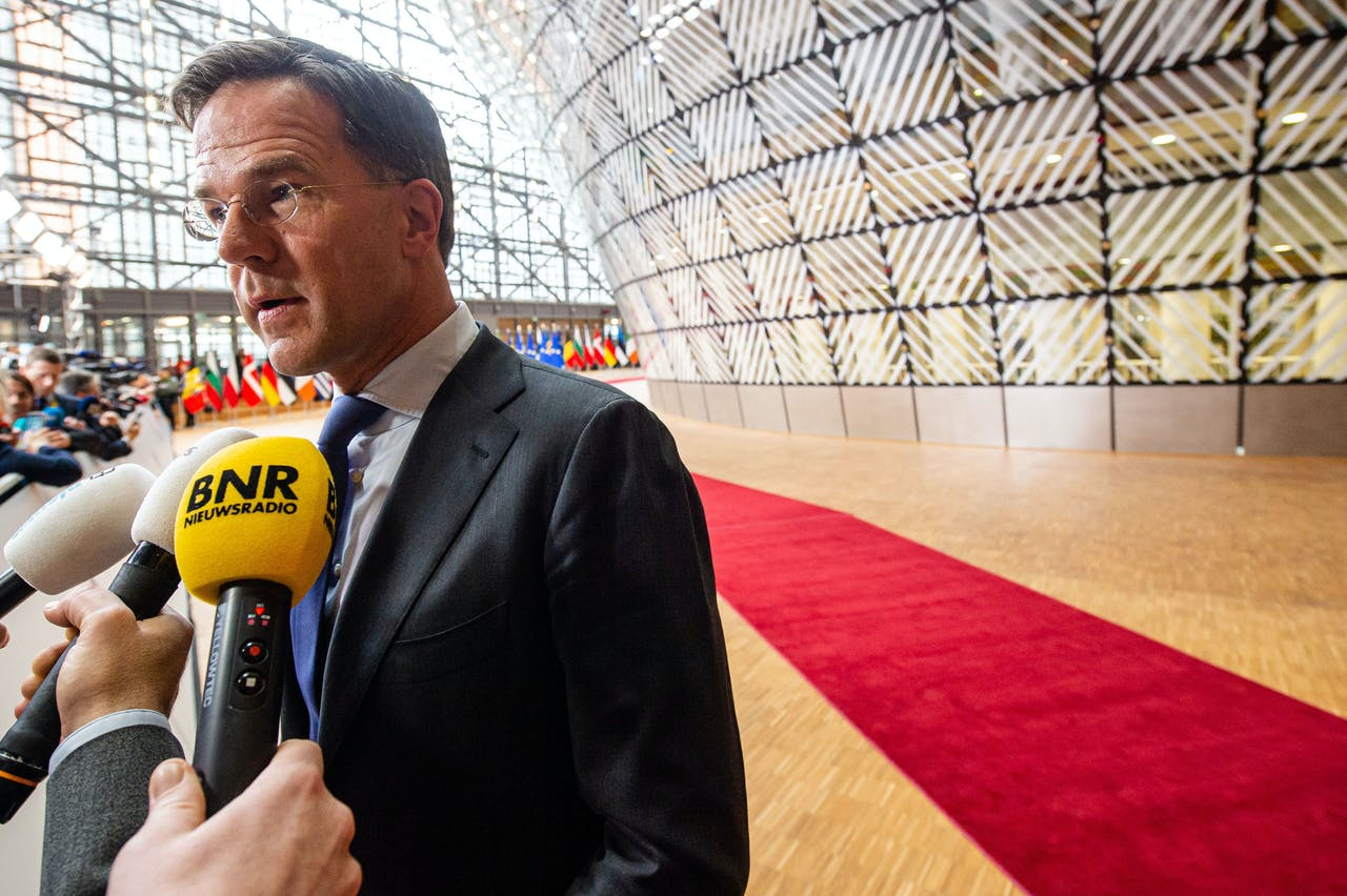 Minister-president Mark Rutte voor aanvang van de extra Europese top