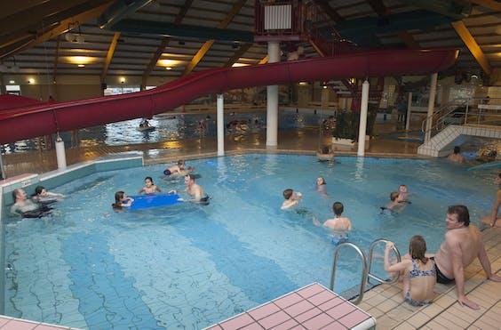 Zwembad ter illustratie.