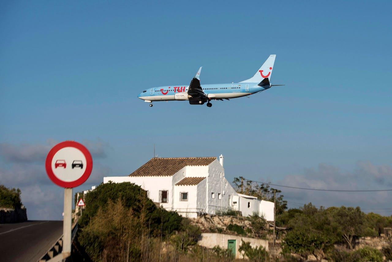 Een TUI-vliegtuig boven Spanje