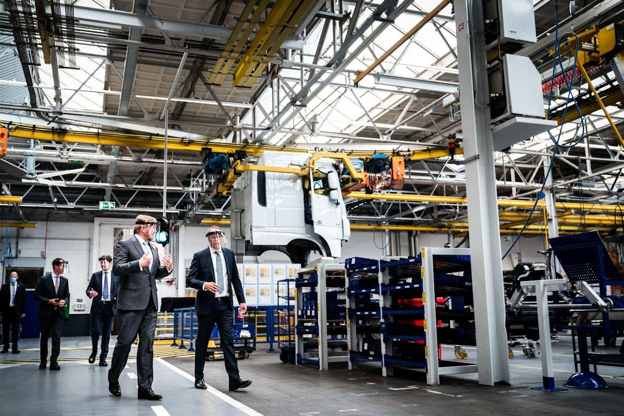 De Nederlandse industrie groeit ten opzichte van de maand ervoor