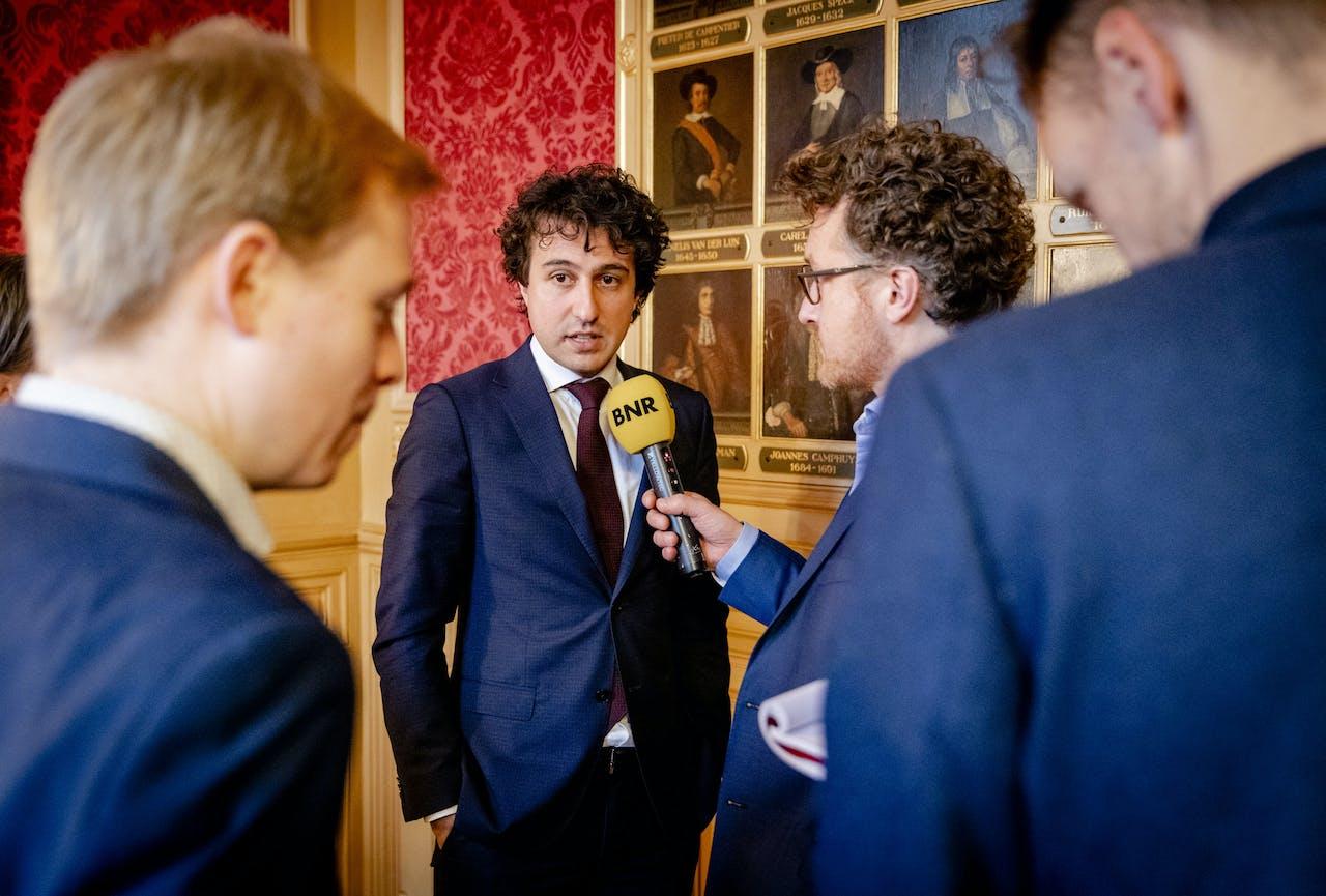Jesse Klaver (GroenLinks) staat de pers te woord na afloop van een gesprek over de initiatiefwet Duurzame Aanpak Stikstof. ANP SEM VAN DER WAL