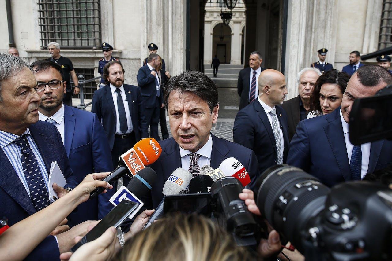 2019-07-15 12:01:14 epa07718584 Italian Prime Minister Giuseppe Conte arrives at Chigi Palace in Rome, Italy, 15 July 2019. EPA/FABIO FRUSTACI