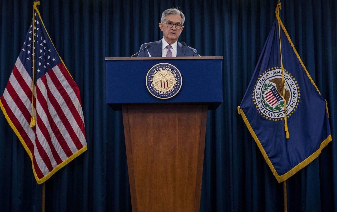 Fed-president Jerome Powell geeft een persconferentie over het onverwachte rentebesluit
