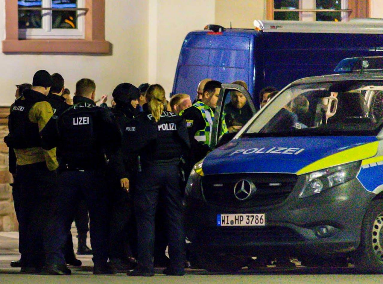 Politie is aanwezig bij de Shishalounge in Hanau