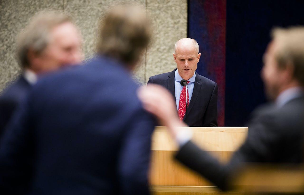 2018-10-02 21:31:35 DEN HAAG - Minister Stef Blok van Buitenlandse Zaken (VVD) tijdens het Tweede Kamerdebat over de Nederlandse steun aan de gewapende oppositie in Syrie. ANP BART MAAT
