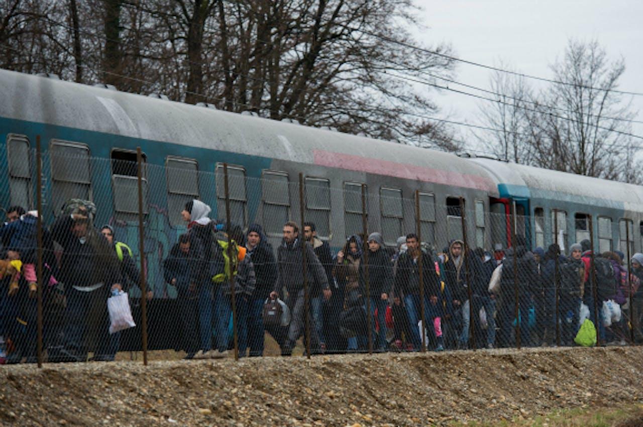 Vluchtelingen in de buurt van de Oostenrijkse grens. Foto: EPA/ANP