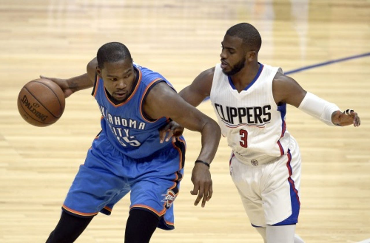 Chris Paul (R). EPA
