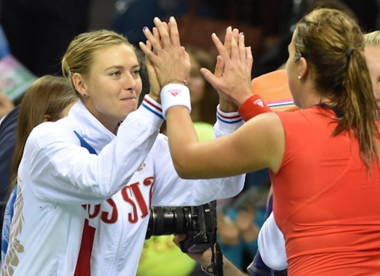 Maria Sjarapova (L) en Anastasia Pavlioetsjenkova. EPA