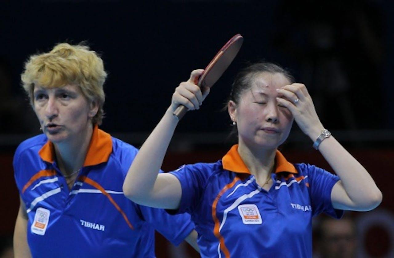 Elena Timina (L) en Li Jie (R). EPA
