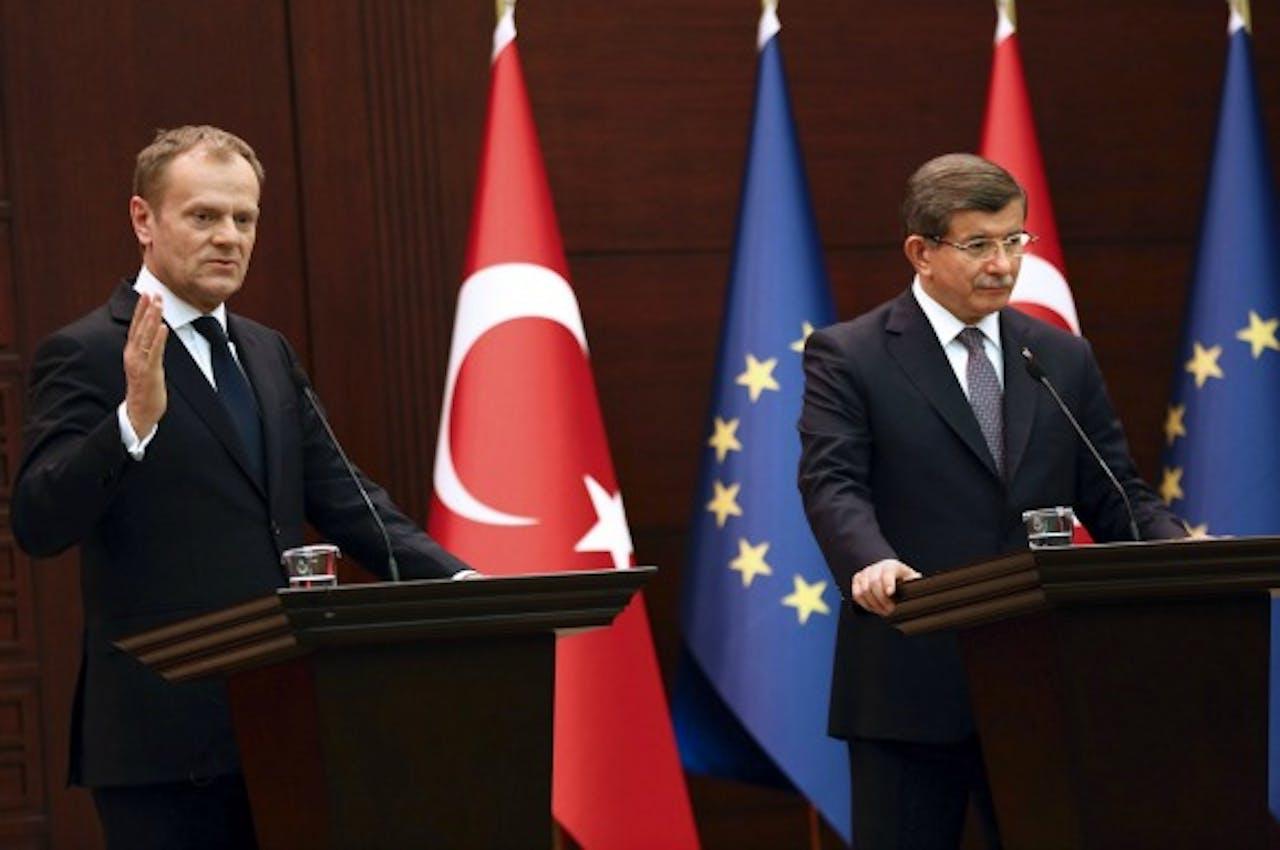 Donald Tusk en de Turkse premier Ahmet Davutoglu