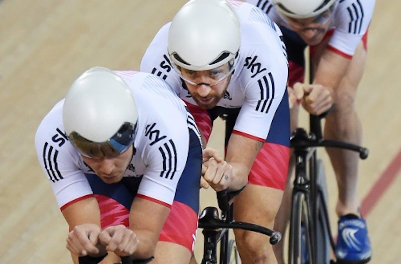 Mark Cavendish (R) en Bradley Wiggins. EPA
