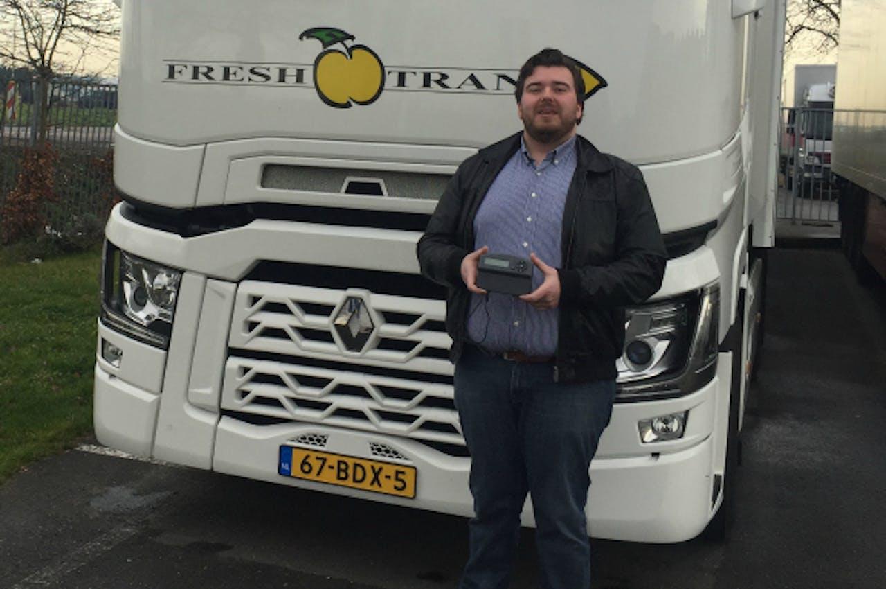 Co Tambach van Freshtrans met het geplaagde Belgische tolkastje.