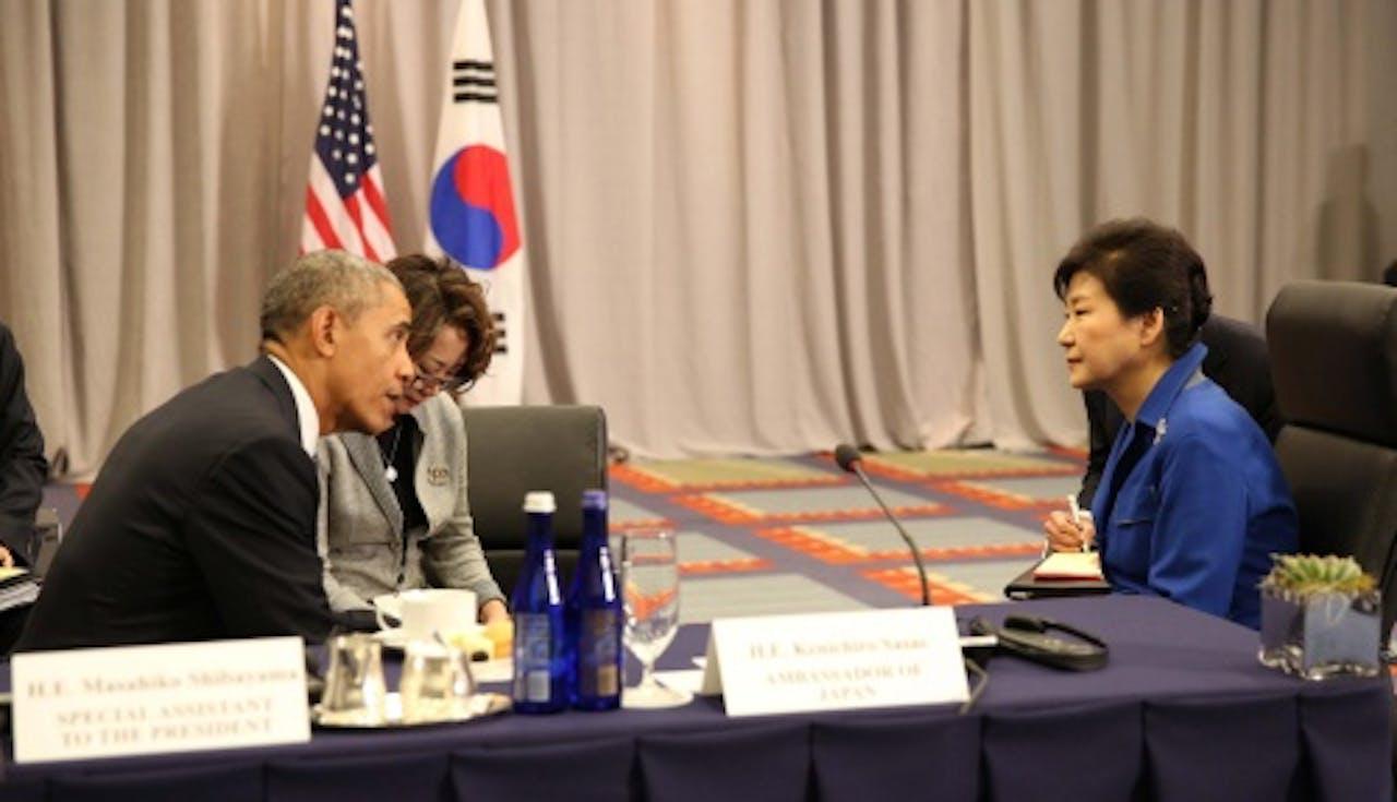 President Park Geun-hye van Zuid-Korea (R) en President Barack Obama (L). EPA