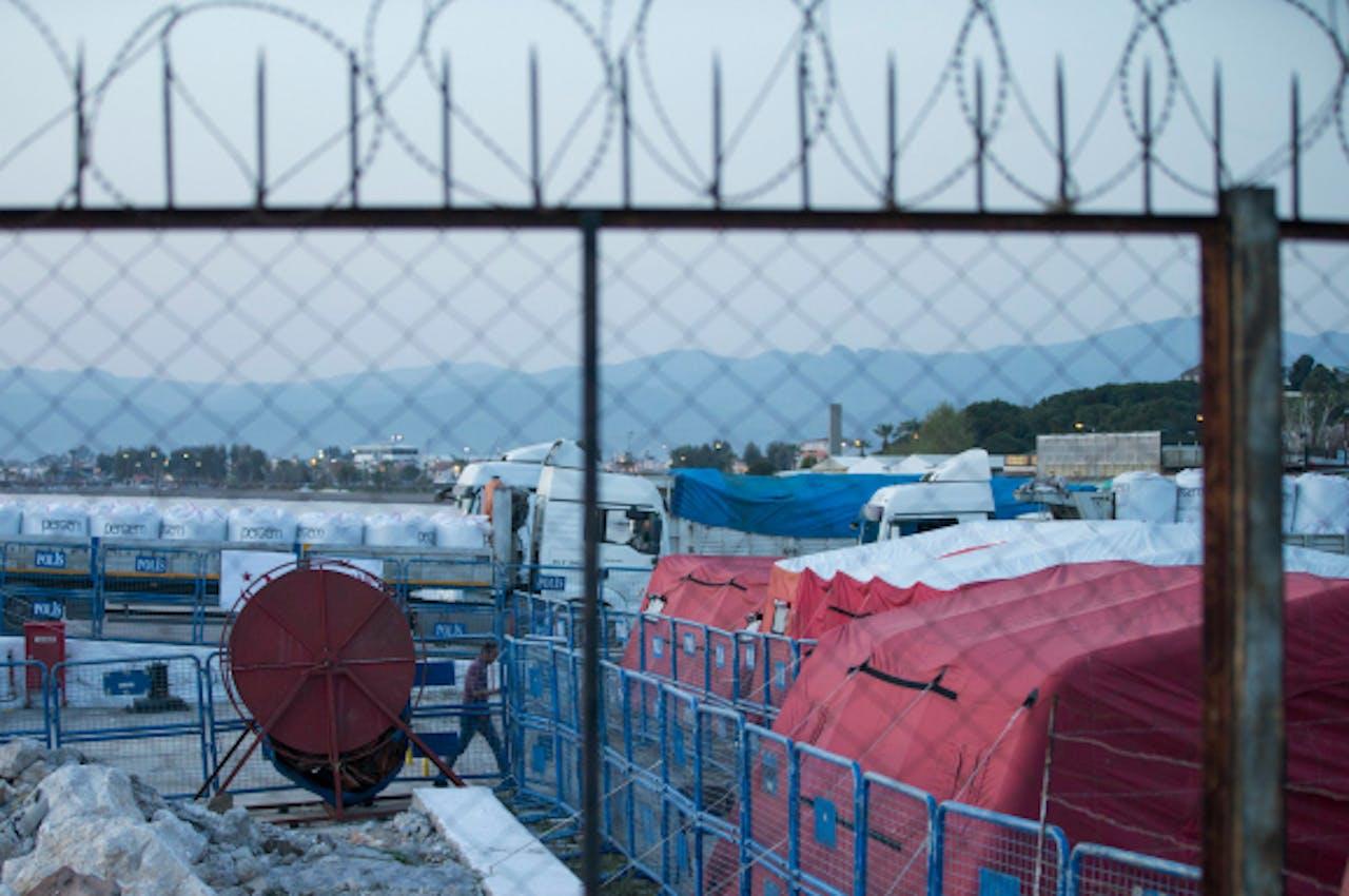 In Dikili staan de tenten voor teruggekeerde migranten klaar. Foto: ANP/EPA