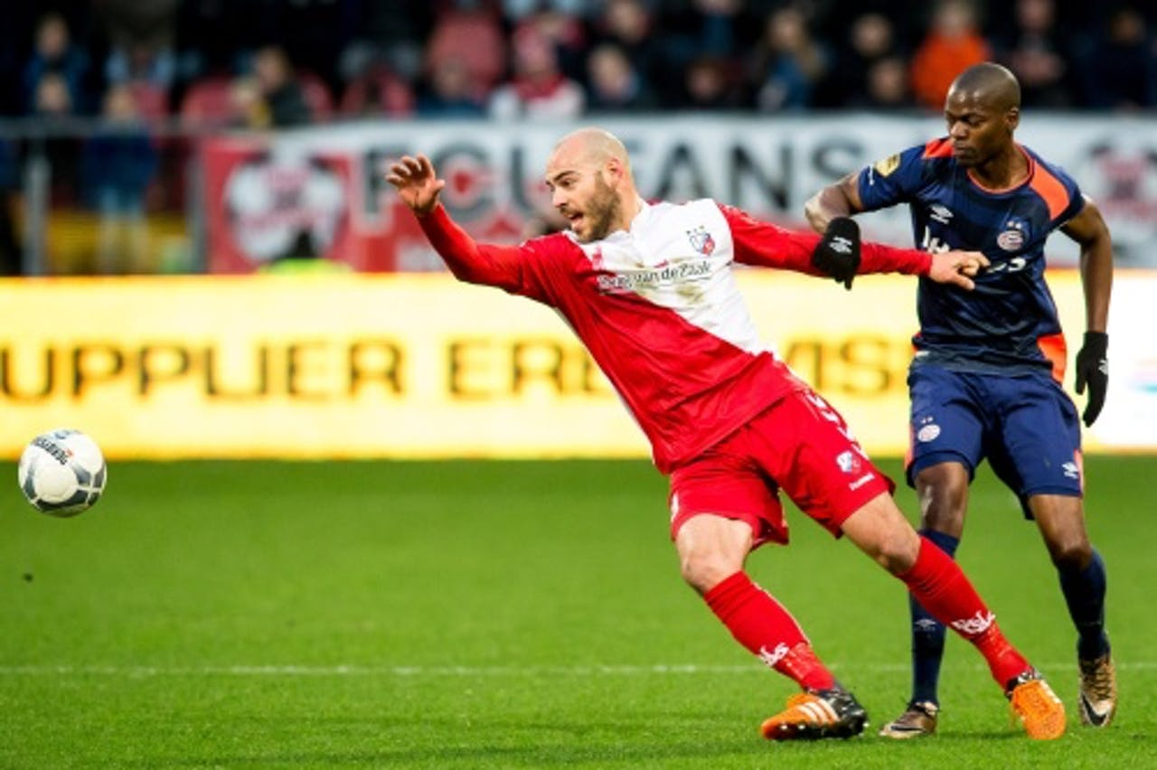 Nicolas Isimat-Mirin (R) en FC Utrecht speler Ruud Boymans (L). ANP