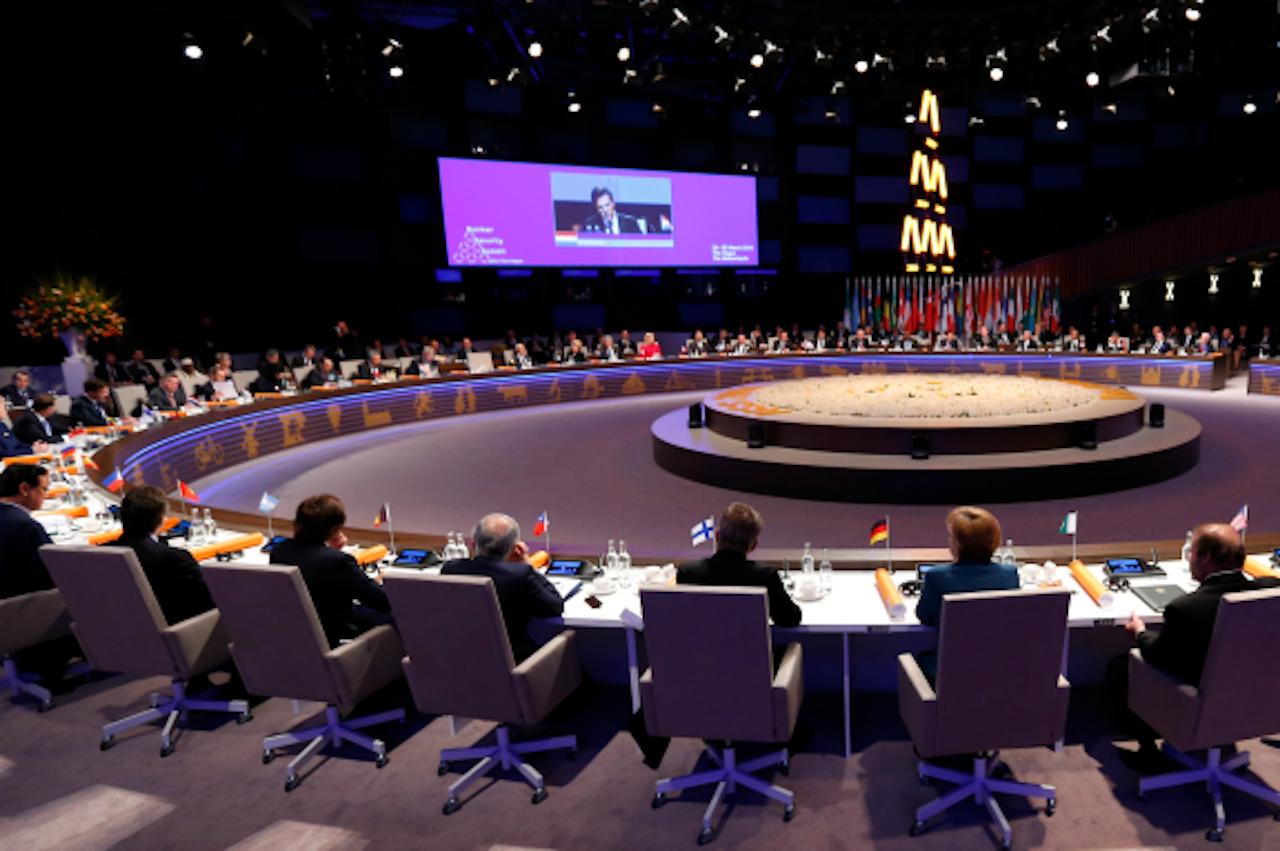 Wereldleiders tijdens de opening van de Nuclear Security Summit in Den Haag, in het voorjaar van 2014. Landen die eerder een oorlog verloren, vinden dit soort vergaderingen belangrijker dan landen die wonnen. (Foto: ANP)