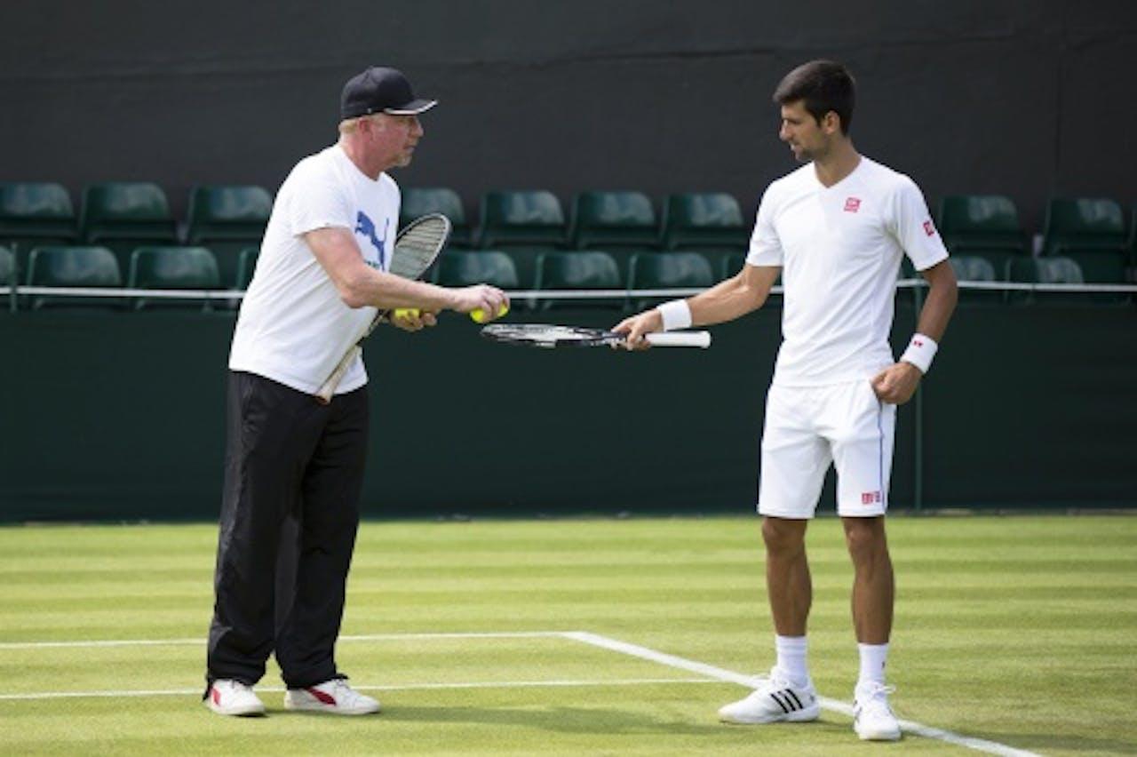 Becker (L) en Djokovic. EPA