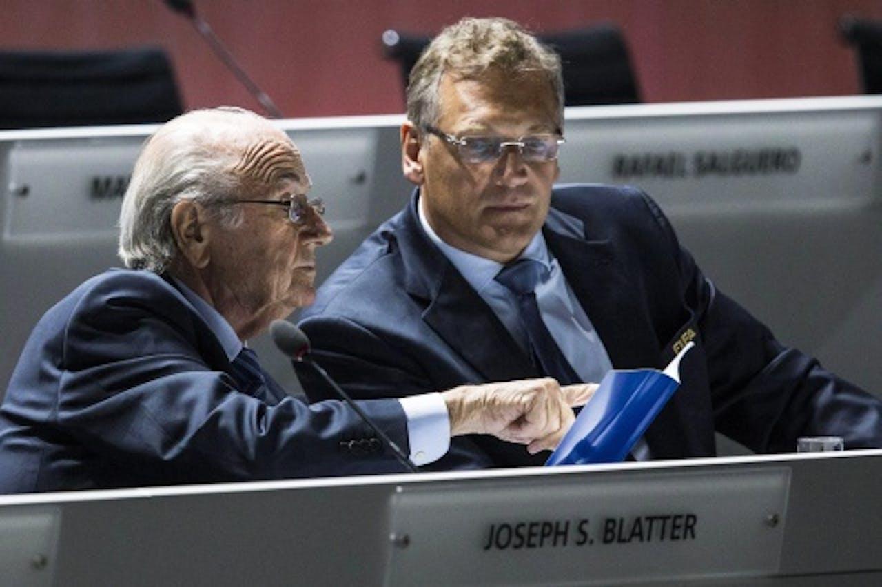 Sepp Blatter en Jérôme Valcke tijdens het FIFA-congres (EPA)