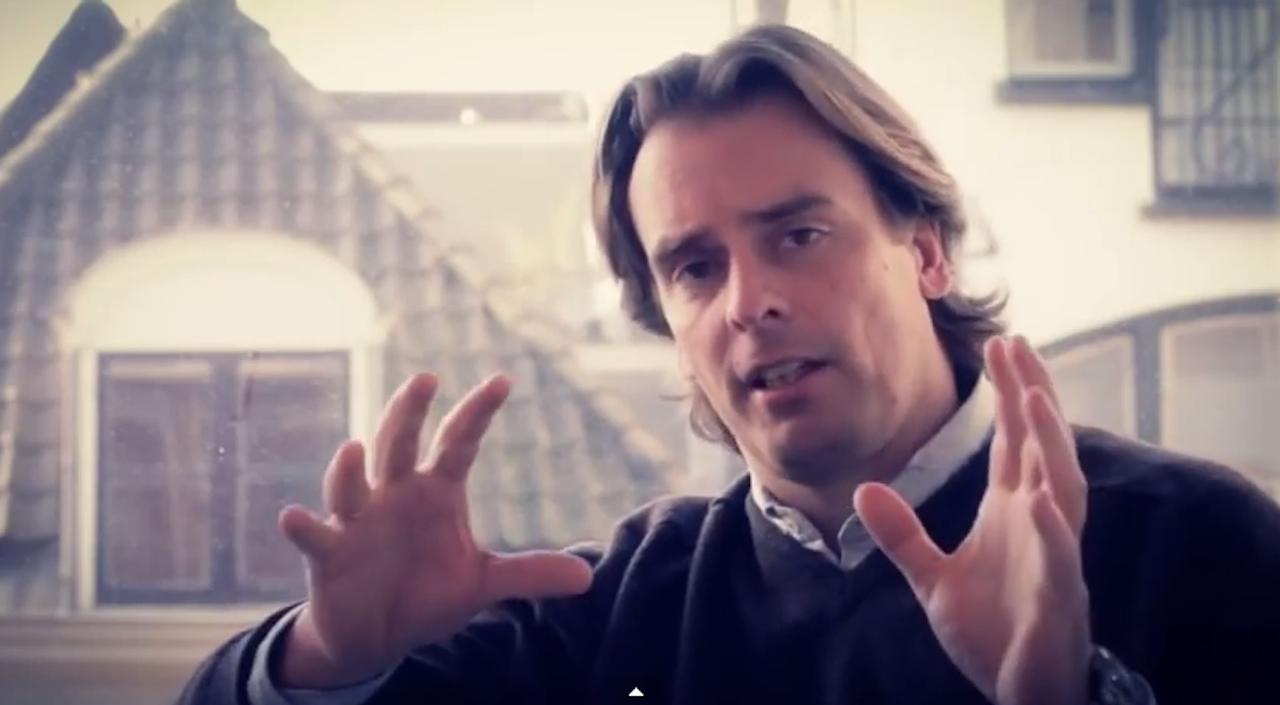 Sander Dullaart, The Social Shop. Beeld YouTube Social Conference 2012
