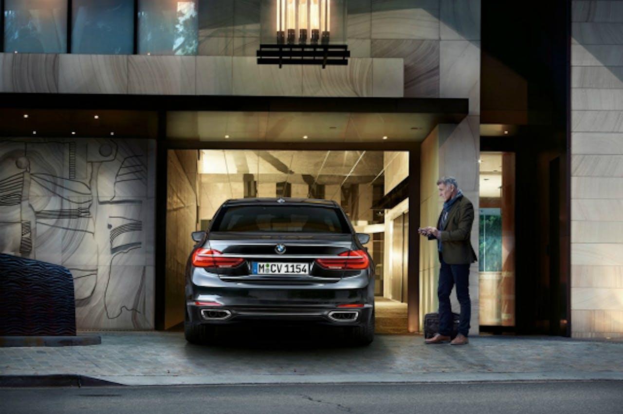 Nieuwe BMW 7-serie parkeert zelf zonder bestuurder