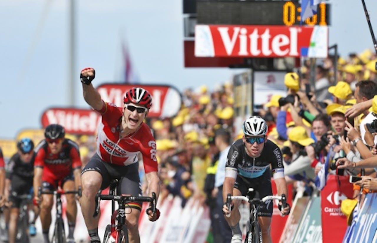Cavendish (R) en Greipel finishen op Neeltje Jans. ANP