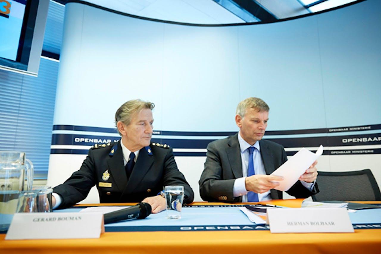 Baas OM Gerard Bouman (links) en baas politie Herman Bolhaar