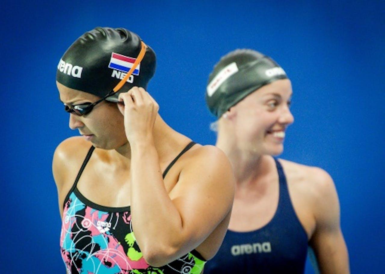Zwemsters Ranomi Kromowidjojo (L) en Femke Heemskerk (ANP)