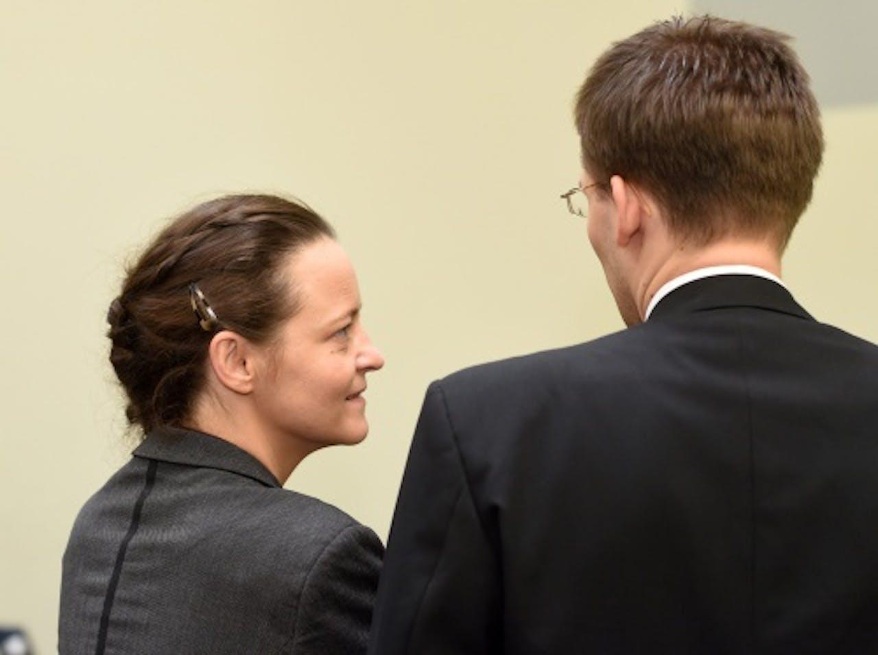 Beate Zschäpe (L) en advocaat Matthias Grasel. ANP