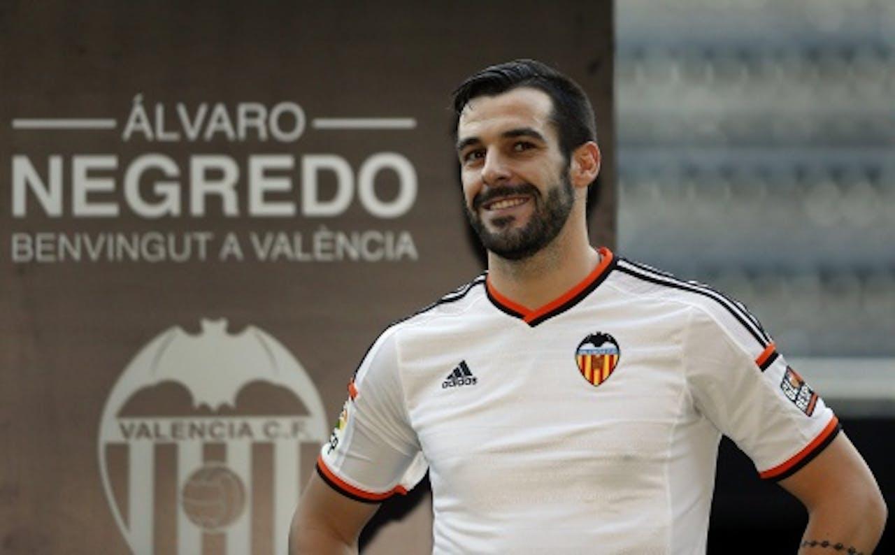 Alvaro Negredo in het shirt van Valencia. EPA