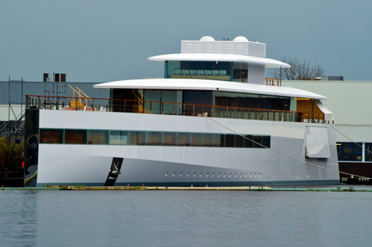 Foto: ANP - Het futuristische jacht dat Steve Jobs liet bouwen in Aalsmeer