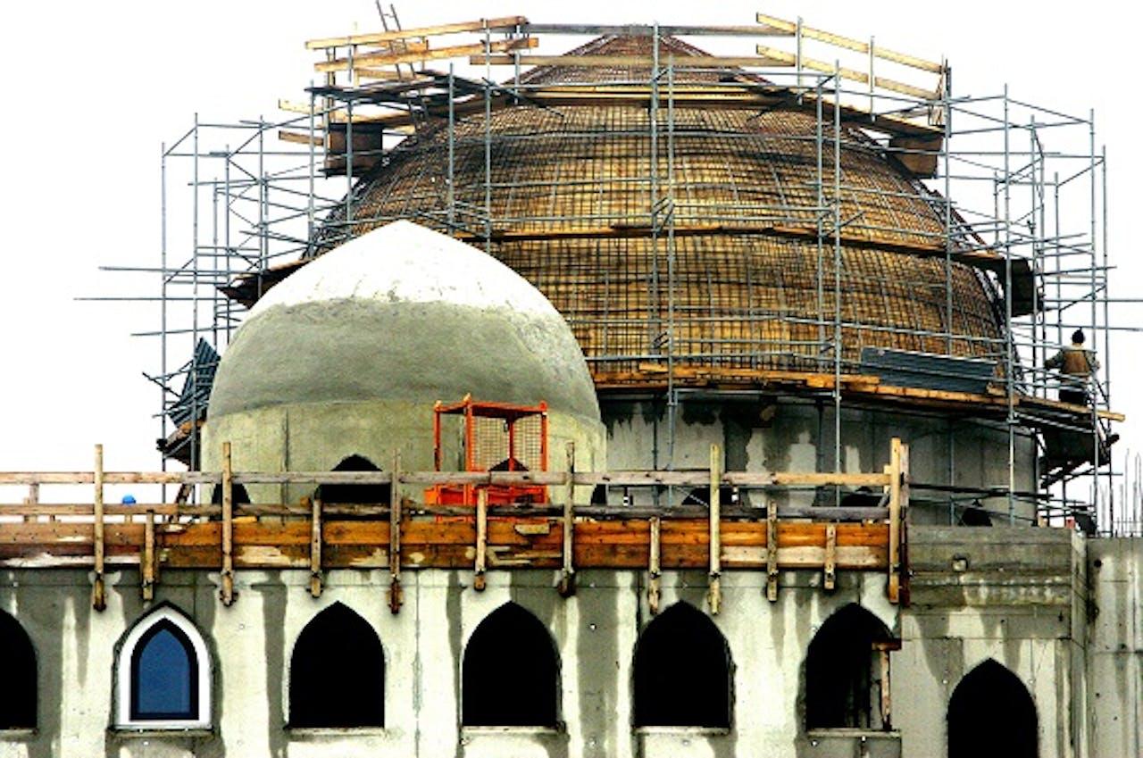 Foto: ANP. Rotterdamse moskee Essalam in aanbouw, 2006