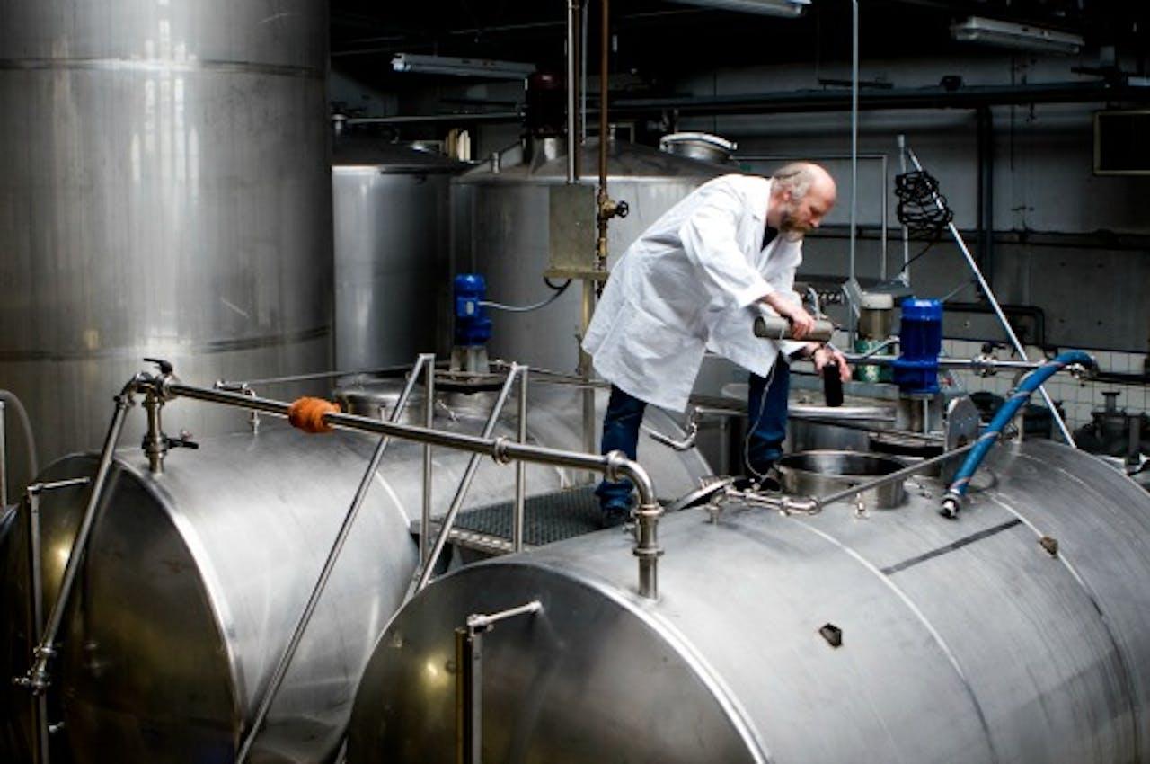 Destillatie van jenever.