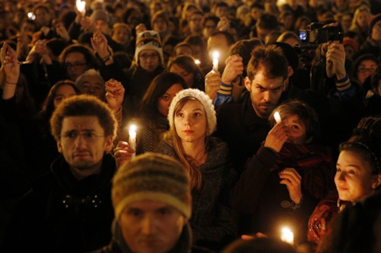 EPA. Duizenden mensen demonstreerden woensdagavond in Parijs.