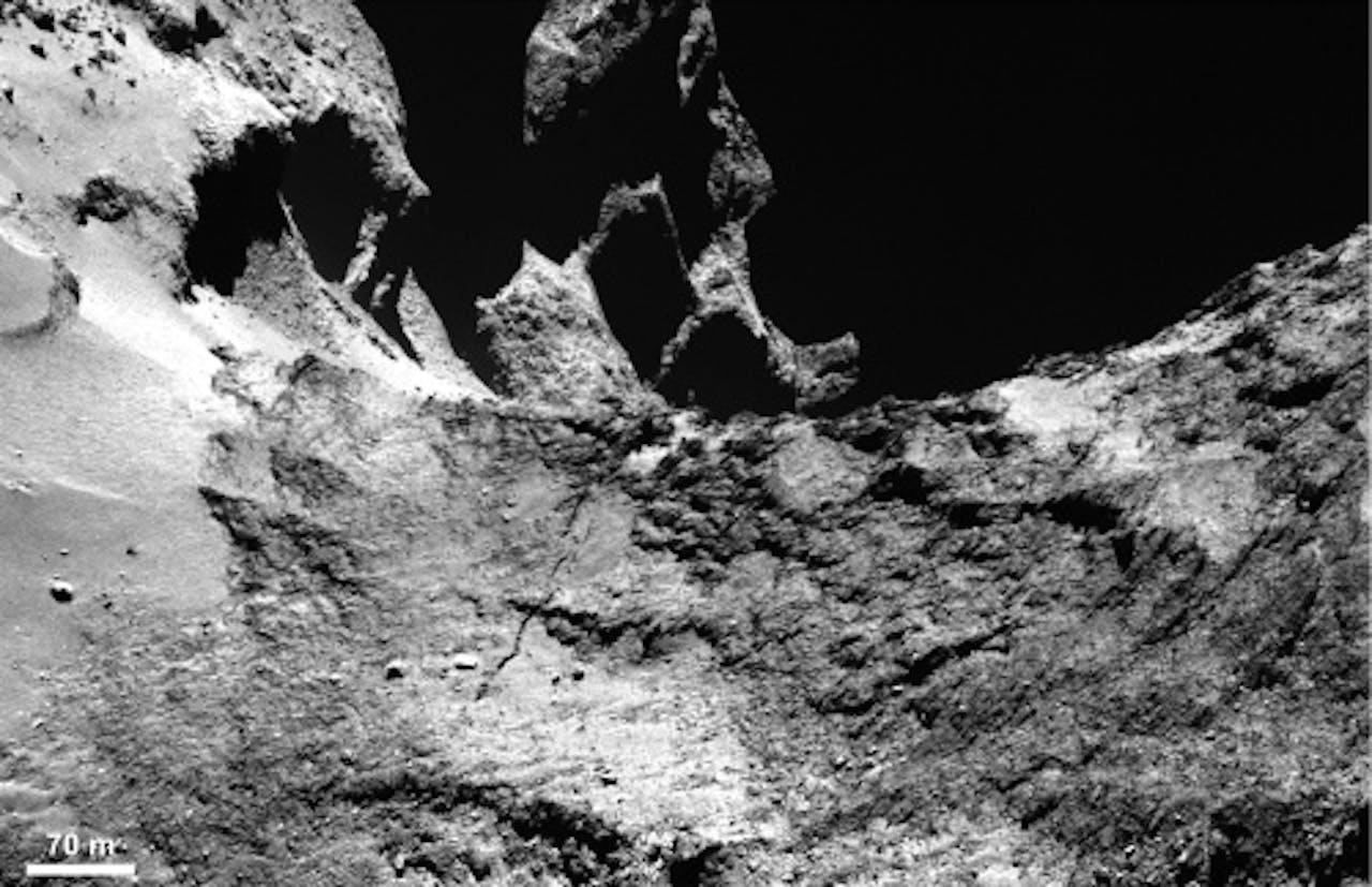 Het oppervlak van de komeet 67P/Tsjoerjoemov-Gerasimenko. EPA