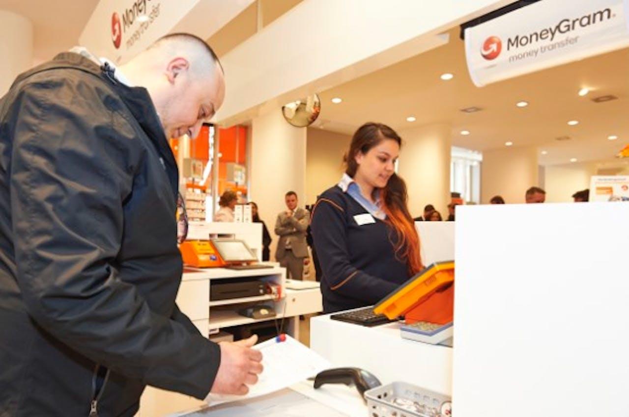 PostNL Postkantoren breidt dienstverlening uit met geldtransacties