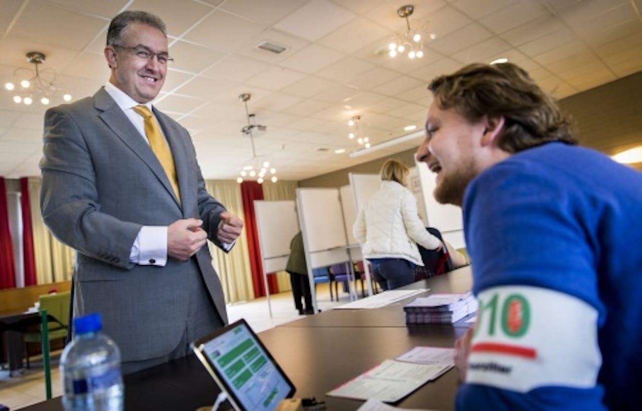 Burgemeester Ahmed Aboutaleb brengt zijn stem uit in Rotterdam. ANP