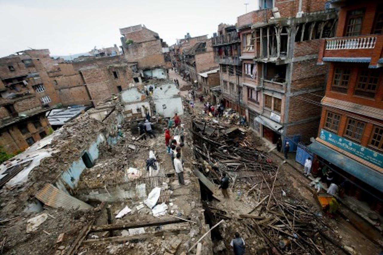 Archiefbeeld van schade door de aardbeving. EPA