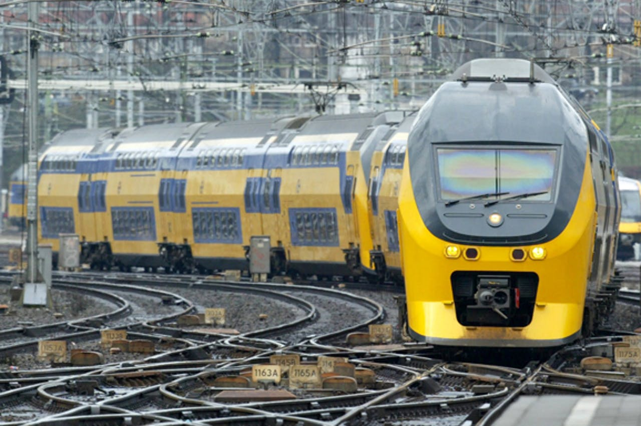 De bekende gele dubbeldekkers zijn gemaakt door Bombardier.