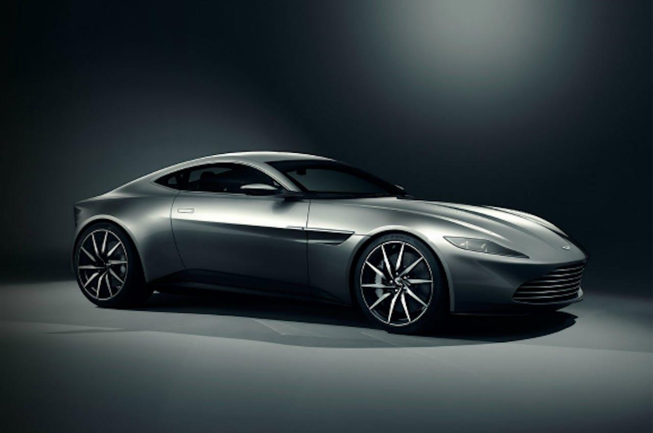 De Aston Martin DB10 waarmee James Bond in Spectre rijdt