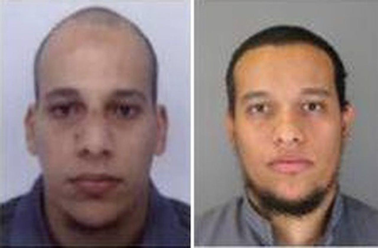 EPA Foto's zonder datum van Said Kouachi (R) en zijn broer Cherif Kouachi (L).