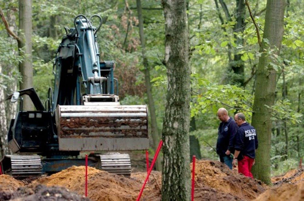 Het zoeken naar slachtoffers van de Bende van Nijvel in 2004. EPA