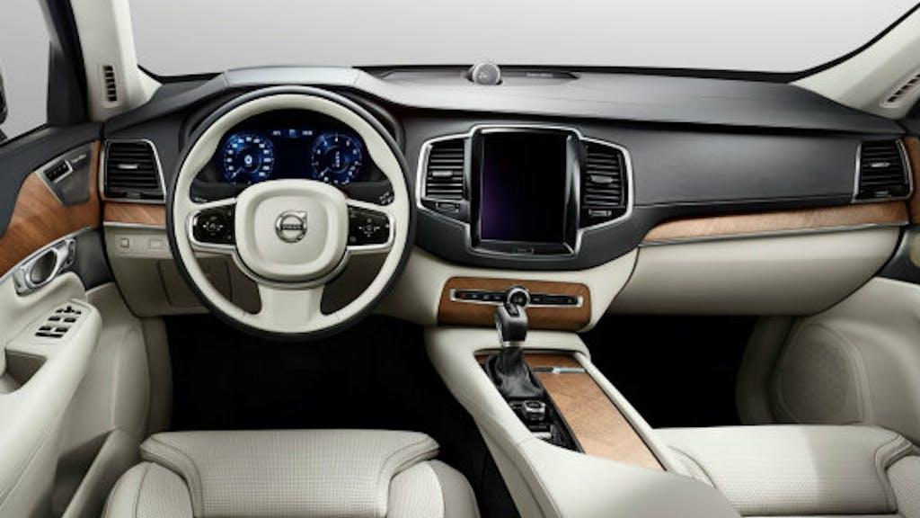 de nieuwe volvo xc90 wordt pas later dit jaar onthuld toch gaf volvo eerder deze week alvast de eerste fotos vrij van het interieur van de auto