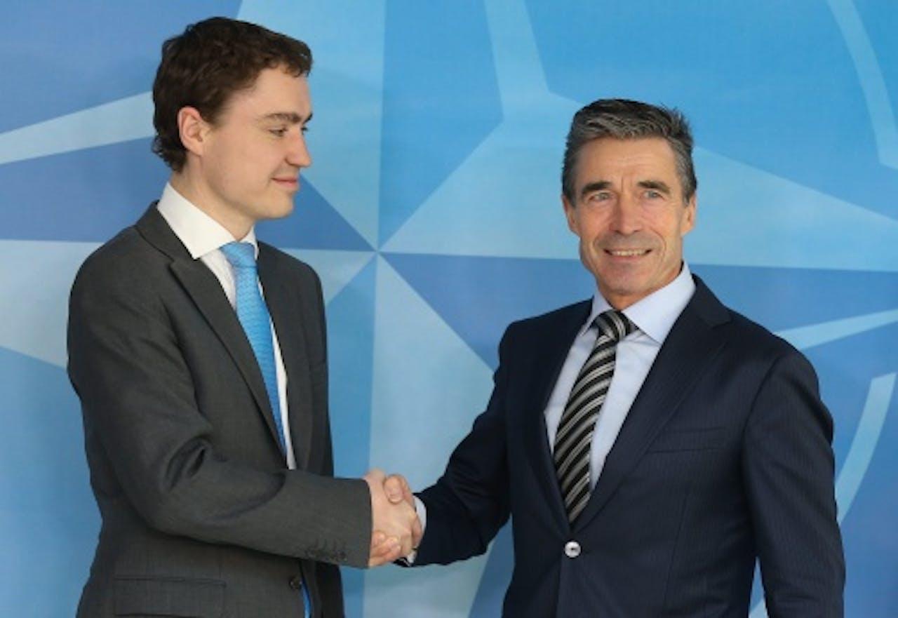 Rasmussen van de NAVO met de premier van Estland Taavi Roivas. EPA