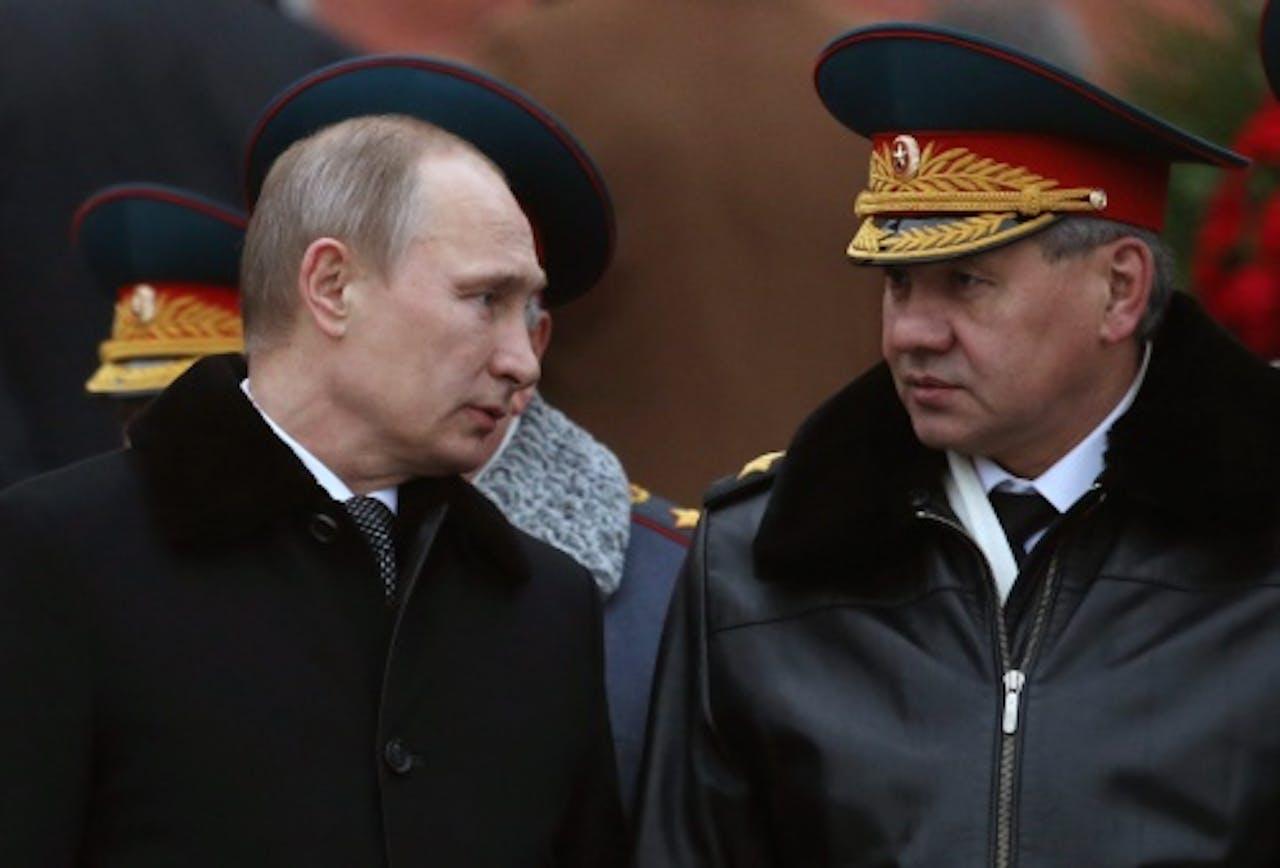 Sergej Sjojgoe (R). EPA